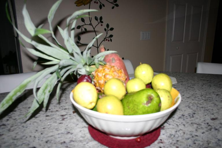 web_images/guavas__pineapple__and_sweet_potato_our_own_fresh-picked_8-30-15_img_2077.jpg