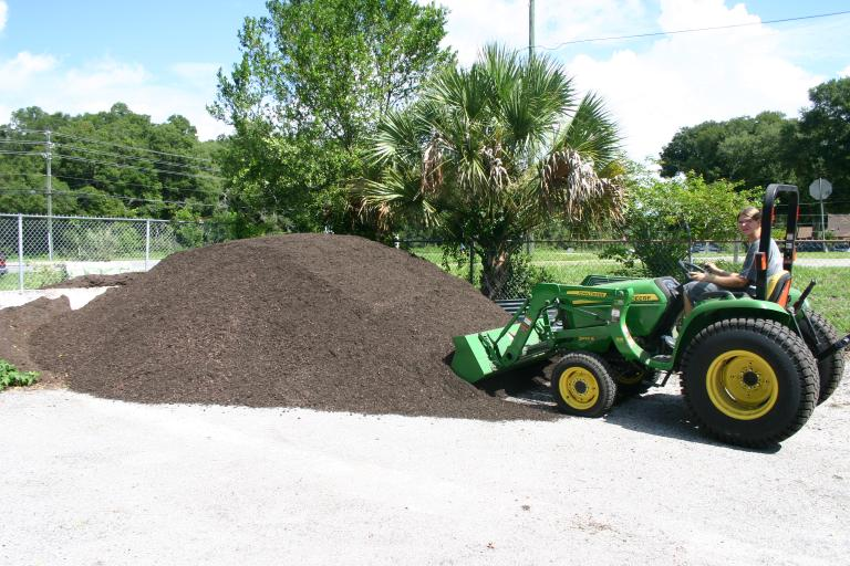 /potting_soil_loading_for_another_delivery_7-31-15