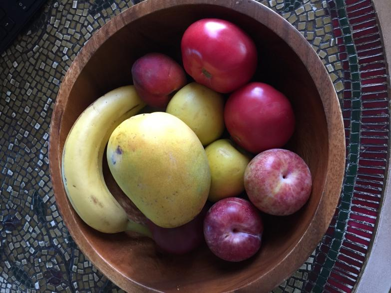 ripe_mango_picked_from_home_yard_tree_in_debary_7-24-16
