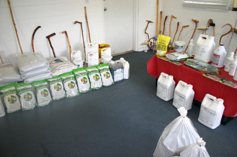 Store display of 3-0-5 & Vitalgreen 3 in 1