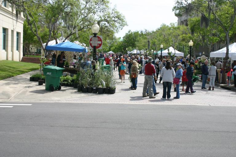 wildflower_festival_crowd___booth_2015